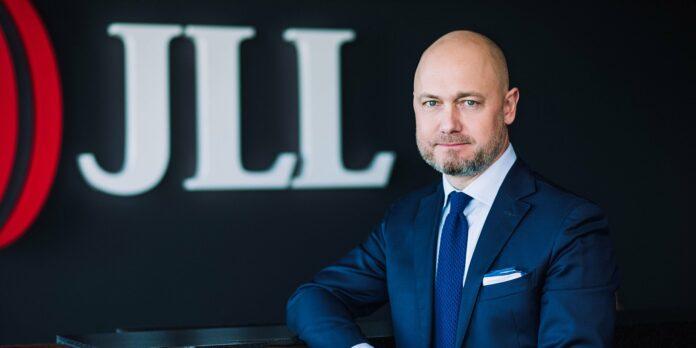 Tomasz Lewandowski, Dyrektor Działu Gruntów i Inwestycji Średniego Formatu, JLL