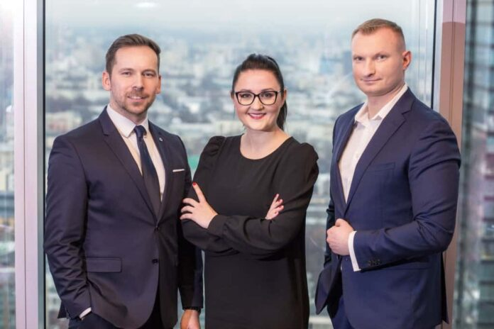 Dorota Kenny, Jacek Pawlak i Andrzej Nowak – zarząd Spółki ASM Group SA