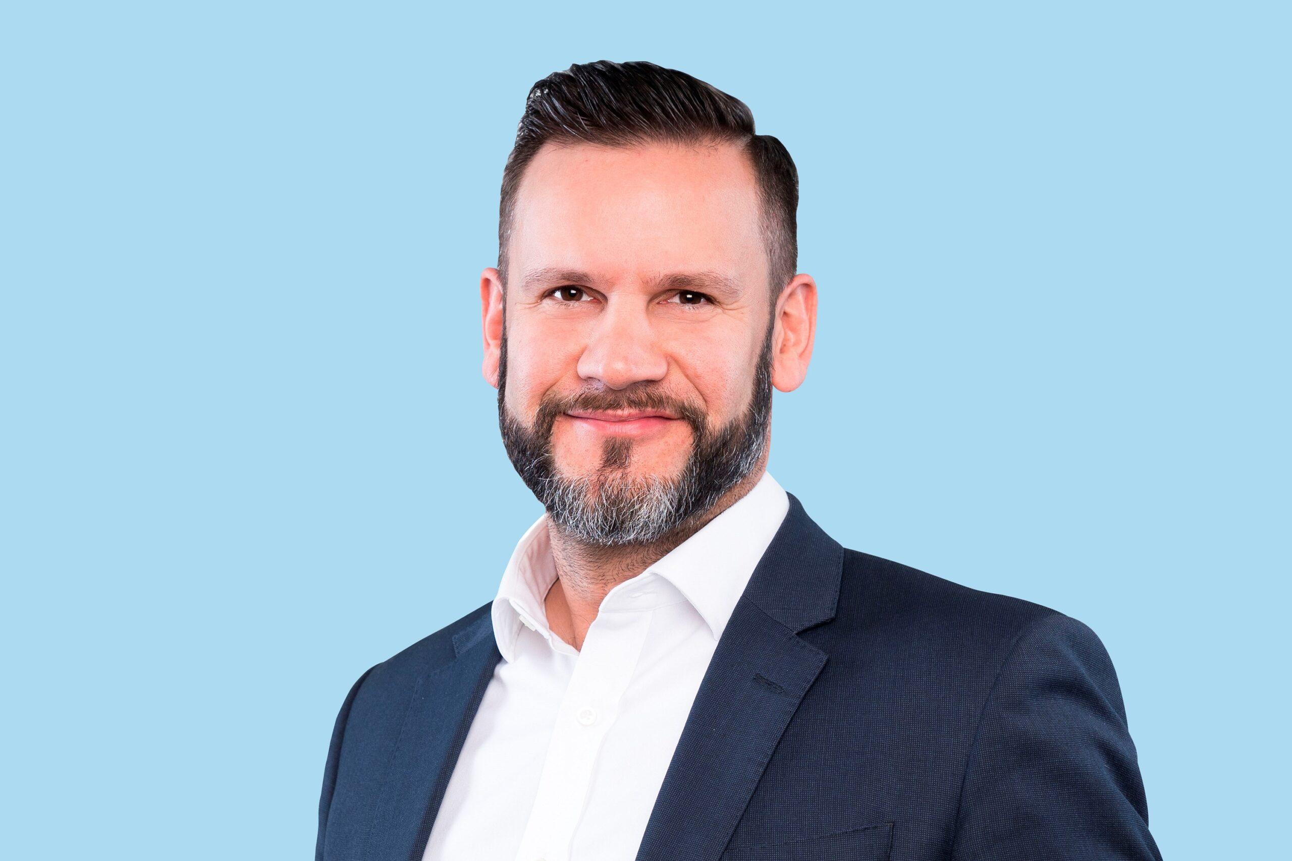 Kevin Turpin, Dyrektor ds. badań na region Europy Środkowo-Wschodniej