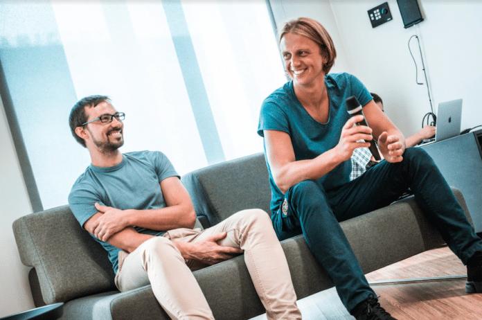 Nik Storoński i Wład Jacenko, założyciele Revolut w krakowskim biurze firmy
