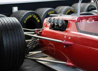 samochód wyścigowy