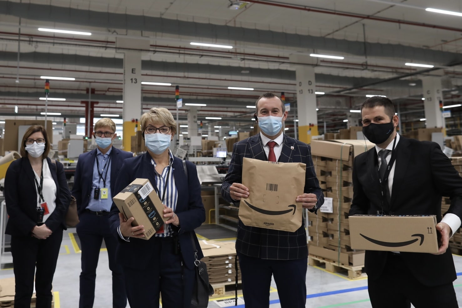 Amazon otwiera w Świebodzinie robotyczne centrum logistyczne oraz STEM Kindloteki_Materiał_prasowy
