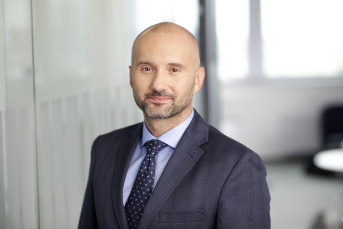 Dawid Osiecki, Accenture w Polsce